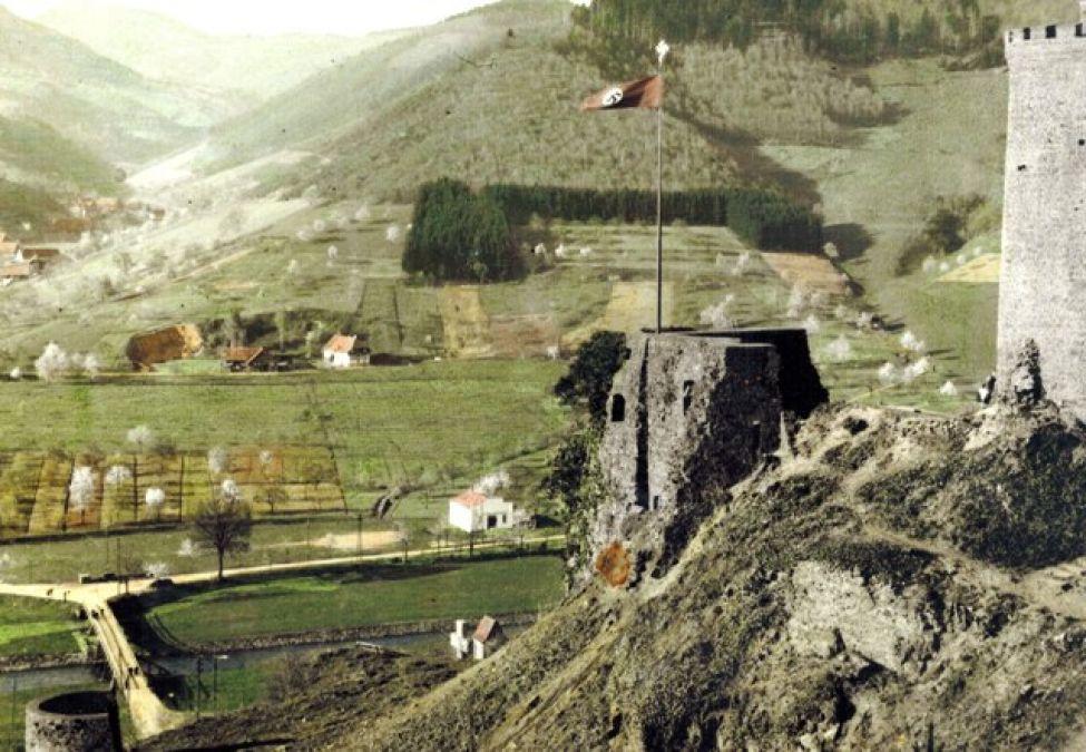 1933 C01 Schlossberghakenkreuz03072013