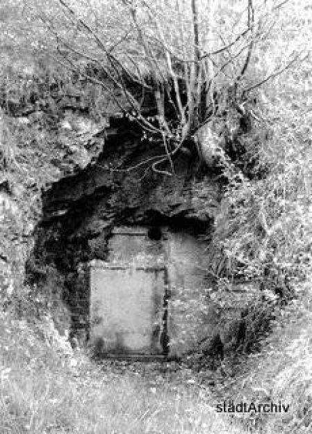 Bergbau Versteckte Stolleneingaenge