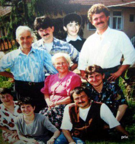 1493 Fuggis Familie Armbruster 3f11381868
