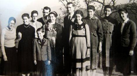 1493 Fuggis Hof Familienfoto Img 00016